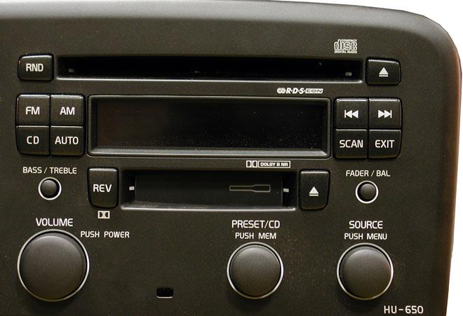 Штатная магнитола для  Volvo HU-650 (CD+касс) фото