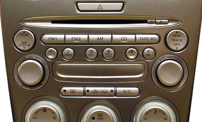штатная автомагнитола mazda 6 2004